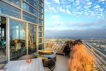 Penthouse with a view julies properties for Penthouses for sale los angeles